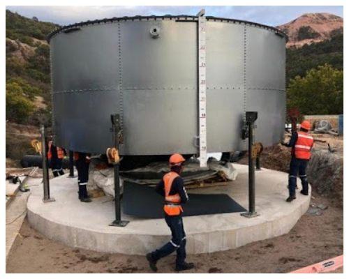Установка вертикального резервуара